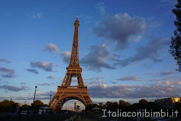 Parigi Torre Eiffel vista da Trocadero