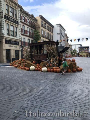 Addobbo tema Halloween all'ingresso