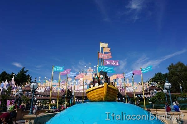 Disneyland Parigi Small World.