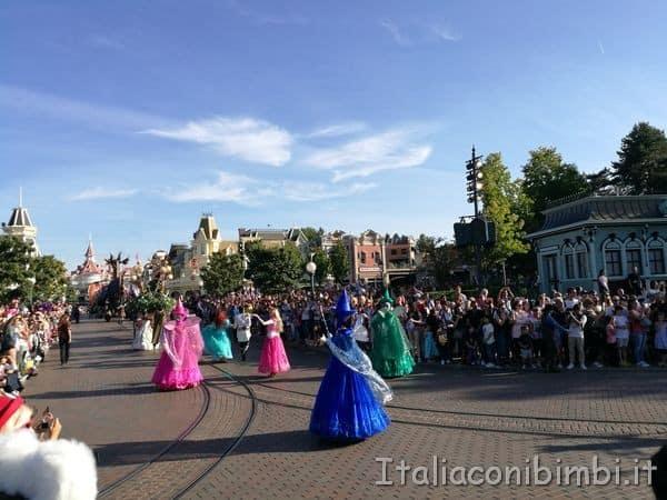 Disneyland-Paris-la-parata