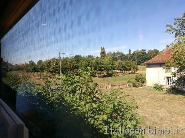 campagna-dal-treno-TGV-per-Parigi