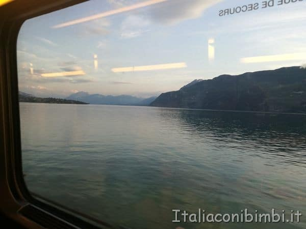 lago-dal-treno-TGV-per-Parigi.