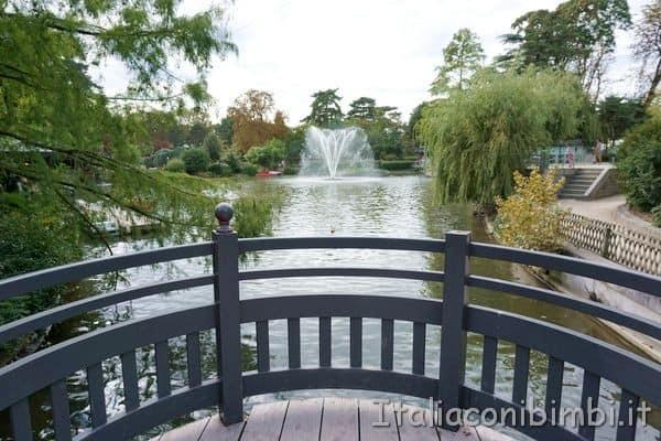 ponte sul giardino coreano