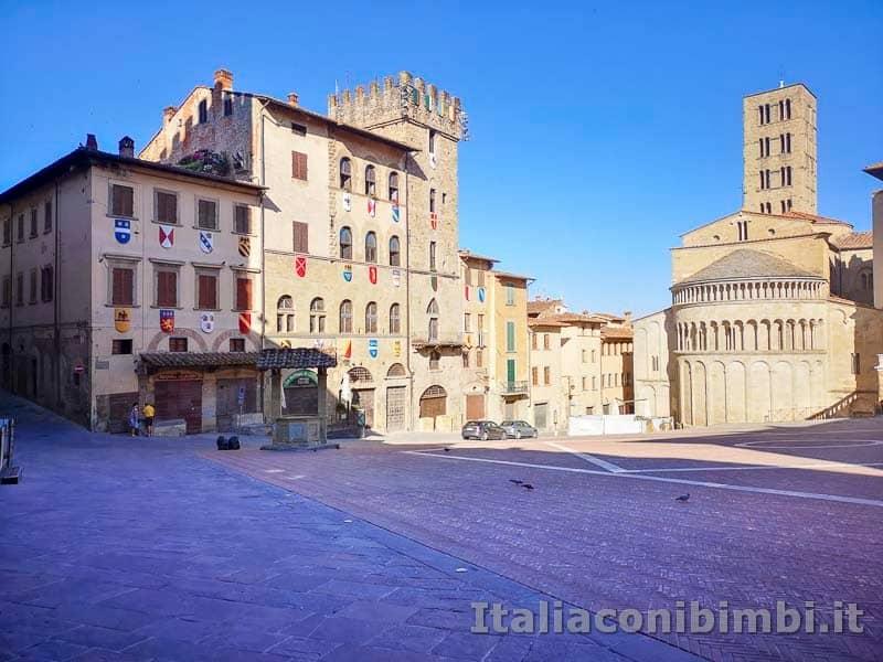 Arezzo - Piazza Grande altro lato