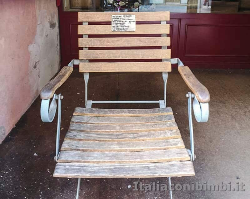 Arezzo - sedia dell'antiquario