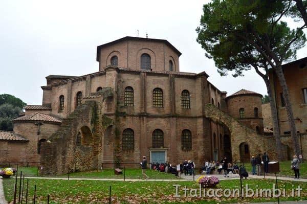 Basilica di San Vitale esterno