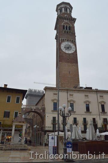 Lato di Piazza delle erbe Verona