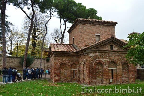 Mausoleo di Galla Placidia esterno