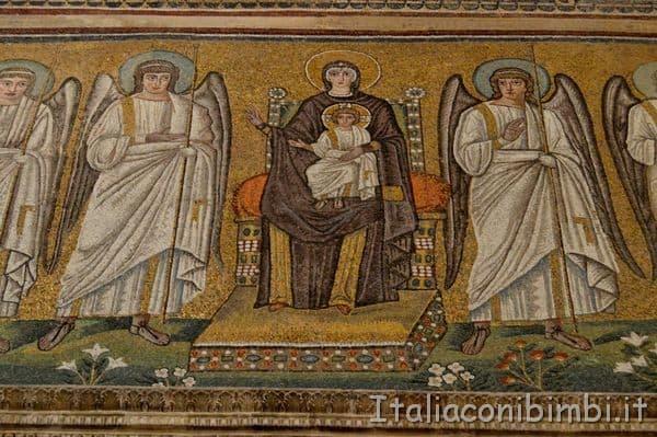 Sant'Apolinnare Nuova Ravenna particolare mosaico