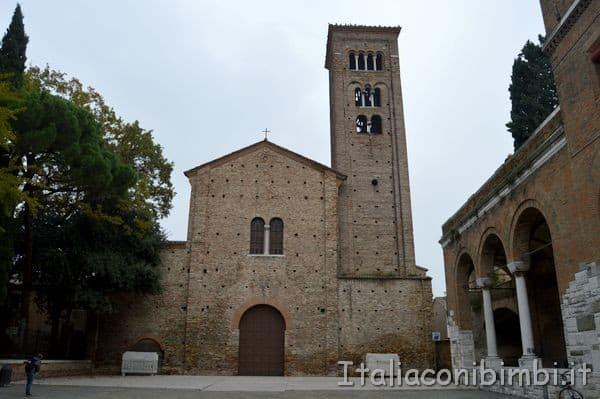 esterno della Chiesa di San Francesco di Ravenna