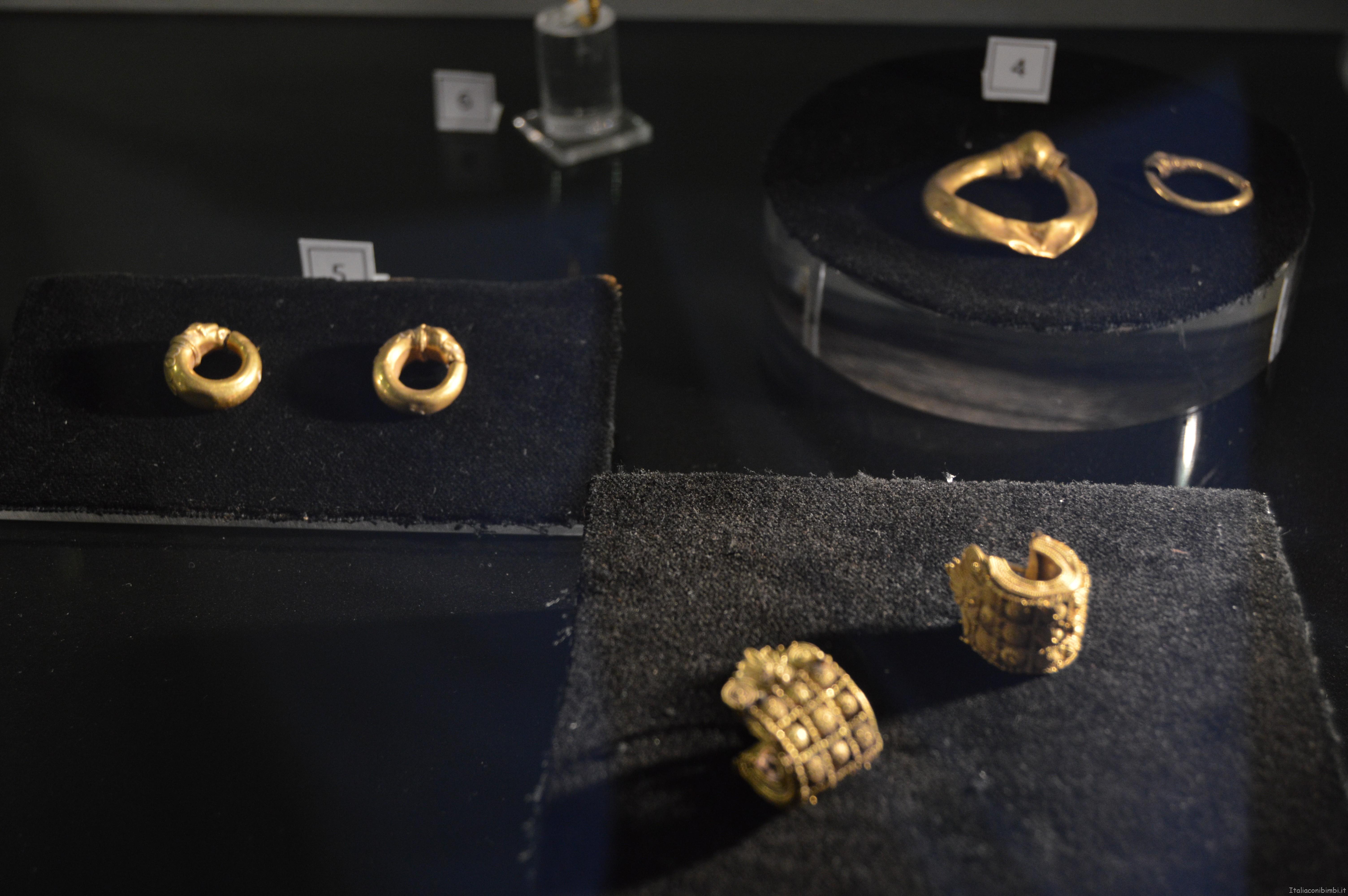 gioielli al Museo archeologico di Arezzo