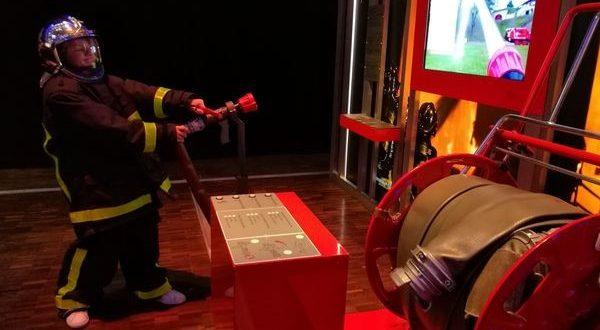mostra-sul-fuoco-città-delle-scienze-e-dell'industria-di-Parigi