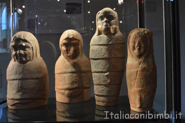 statuine votive al Museo archeologico di Arezzo