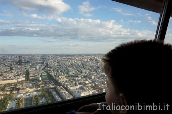 torre Eiffel terzo livello vetrata