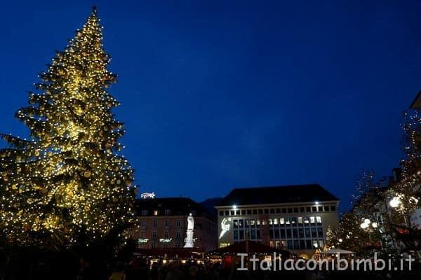 Piazza Walther - mercatino Natale di Bolzano