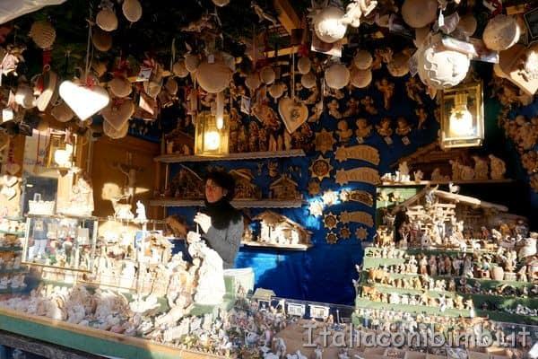 artigianato in legno al mercatino di Natale di Bolzano