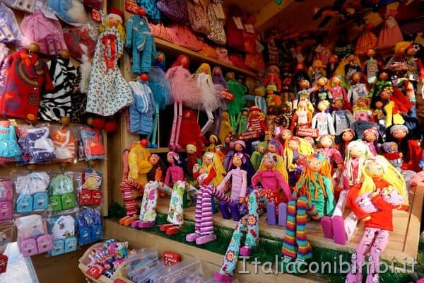 bambole artigianali ai mercatini di Merano