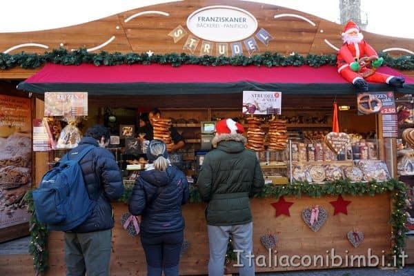 casetta al mercatino di Natale di Bolzano