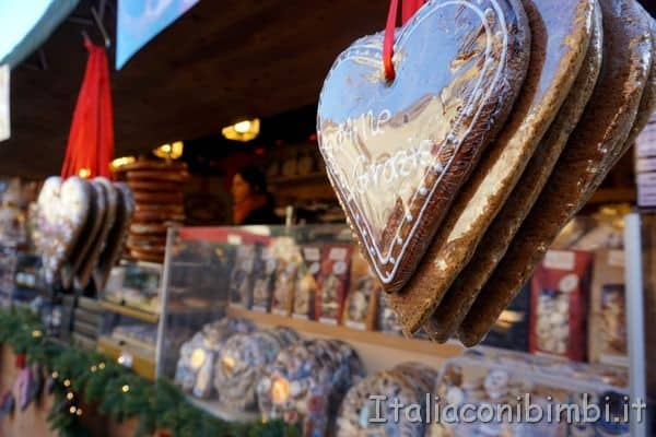 dolcetti al mercatino di Natale di Bolzano