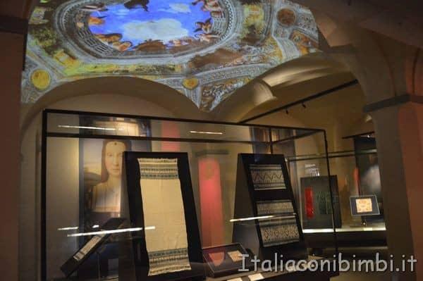 tessuti antichi nel museo del tessuto di Prato