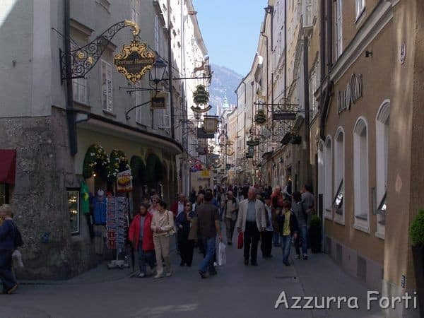 Getreidegasse Salisburgo - la via dello shopping