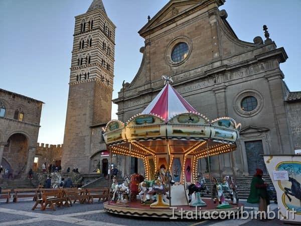 giostrina Caffeina Christmas Village di Viterbo.