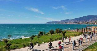 pista ciclabile Ponente Ligure vista mare