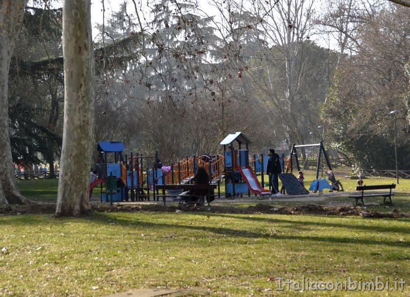 giochi per bambini ai Giardini Margherita