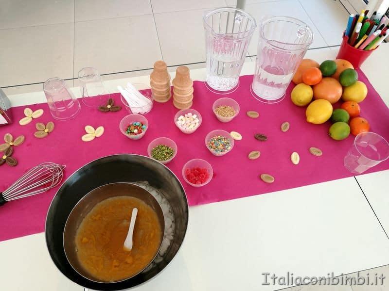 tavolo del laboratorio di gelato