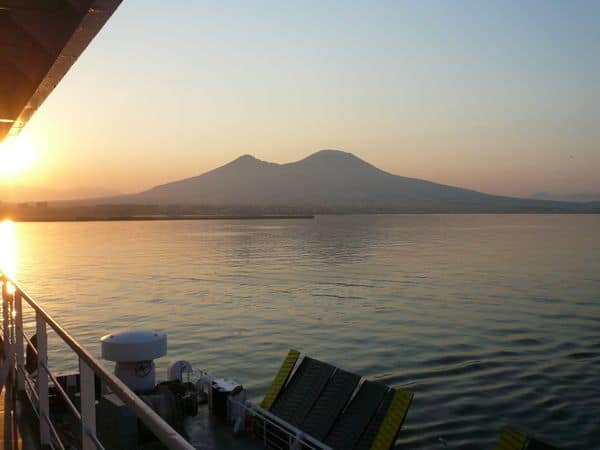 Vesuvio visto dal mare
