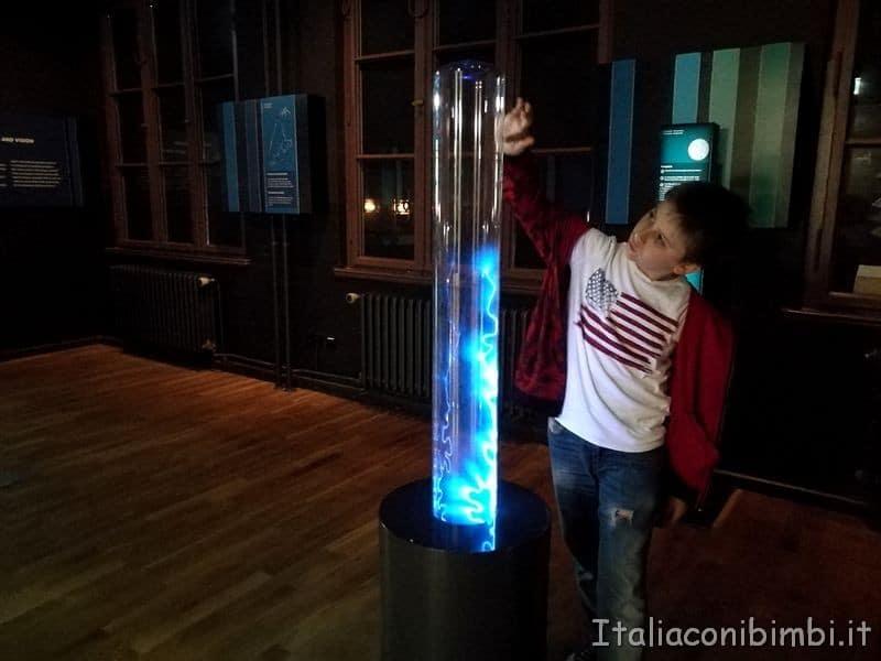 esperimenti e giochi al museo della scienza di Berlino