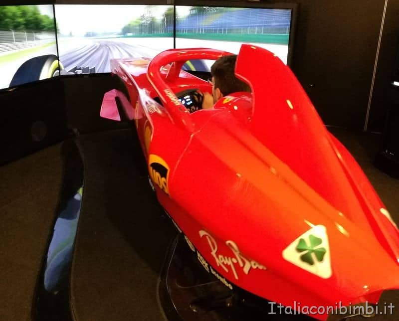 simulatore di guida Ferrari a Maranello