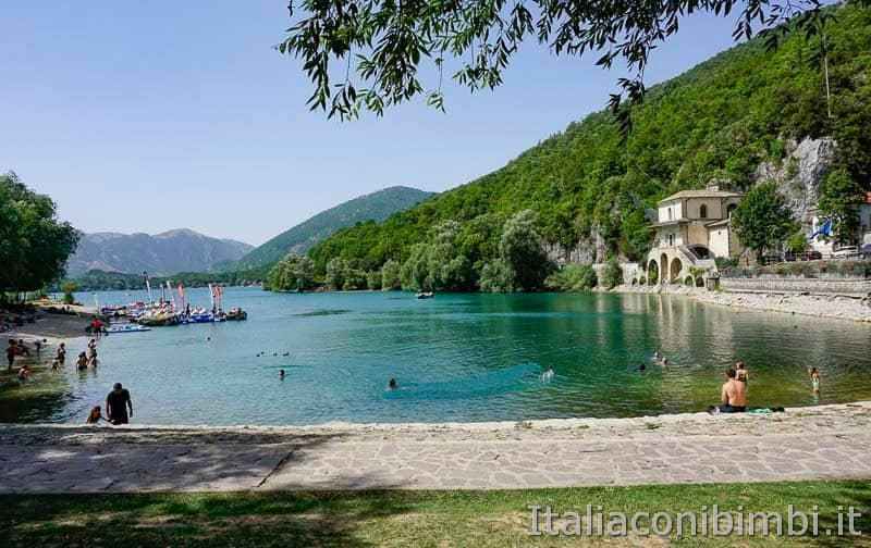 Lago di Scanno - barche
