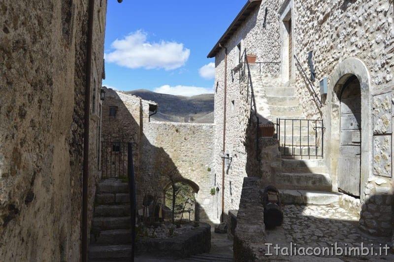 Santo Stefano di Sessanio - borgo