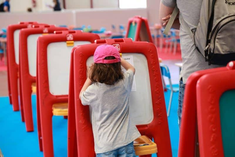 bimbi che giocano a Seridò