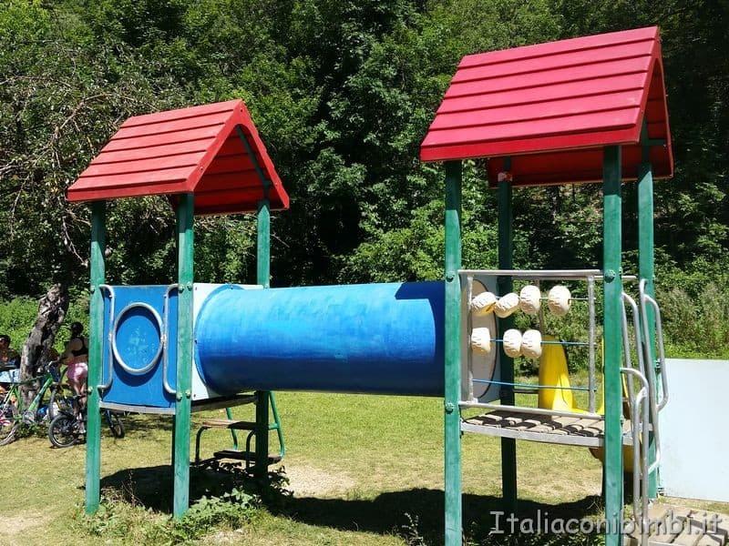 giochi per i bambini al lago di Scanno