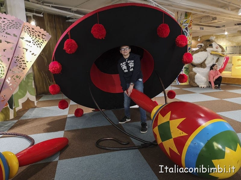 Big Fun Barcellona - casa del gigante maracas