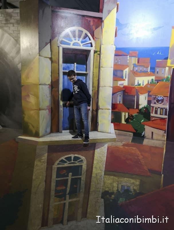 Big Fun- museo delle illusioni - finto palazzo