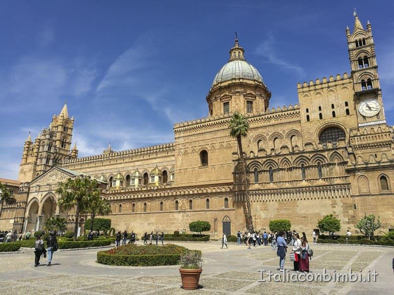 Palermo-Cattedrale-giardino-interno