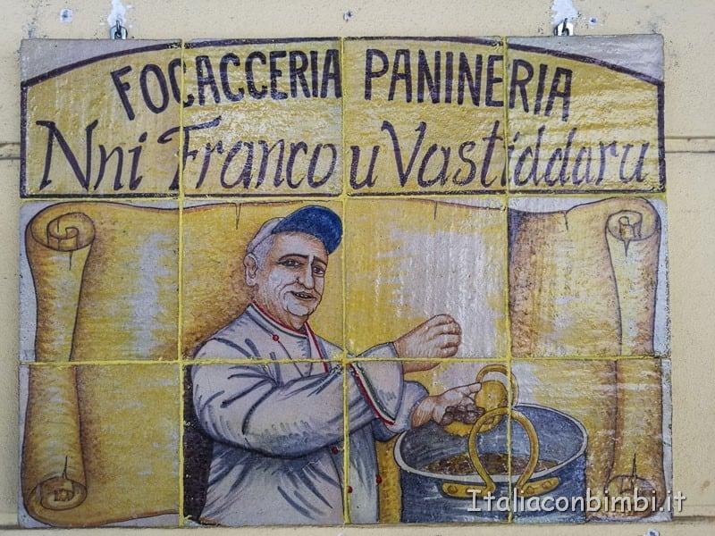 Palermo-insegna-focacceria-Nni-Franco-u-Vastiddaru