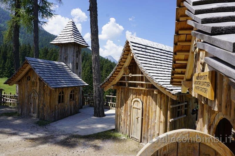 chiesetta del villaggio degli gnomi Val Pusteria