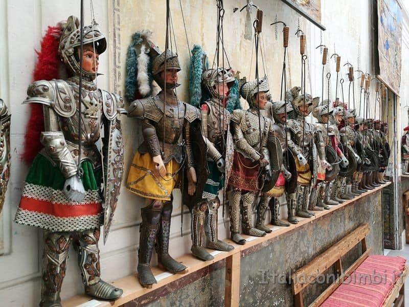 pupi siciliani al museo internazionale delle marionette Palermo