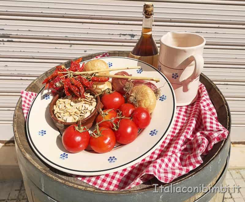 Alberobello - pomodori, cipolle e vino