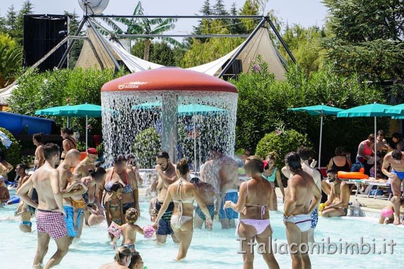 Aqualand di Vasto - piscina baby fungo