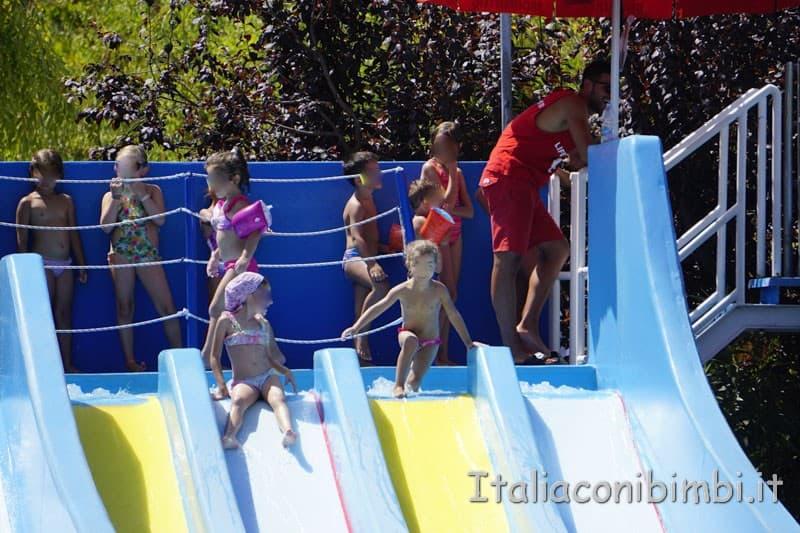 Aqualand di Vasto - piscina baby scivolo