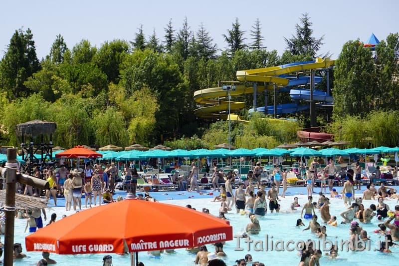 Aqualand di Vasto - piscina con le onde
