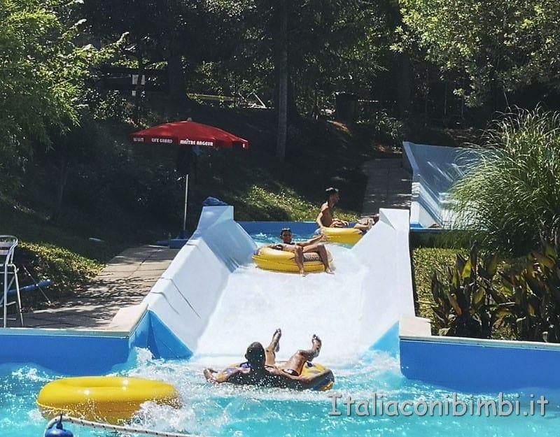 Aqualand di Vasto - torrente veloce gommon