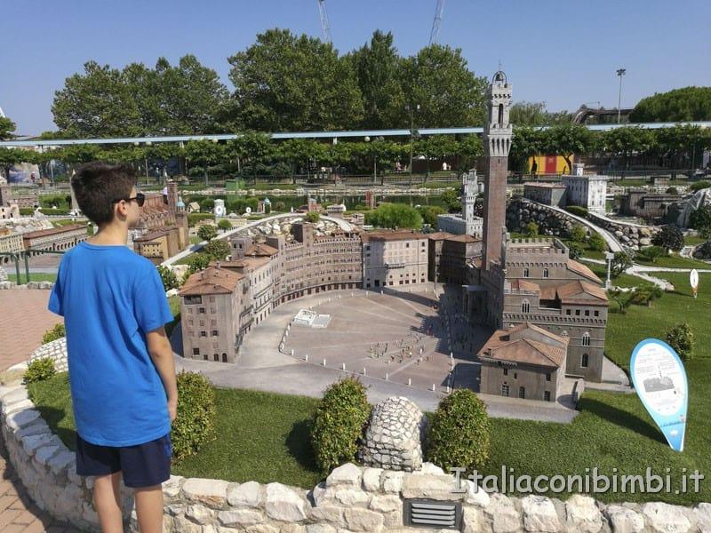 Italia-in-miniatura-Piazza-dei-Miracoli-Siena