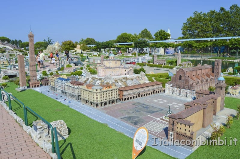 Italia in miniatura - il centro di Bologna