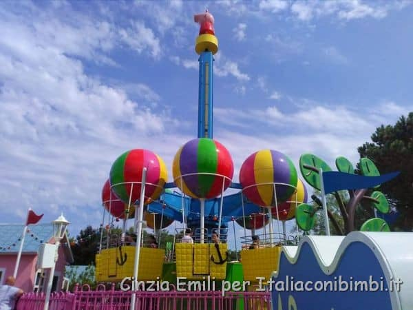 Le mongolfiere nell'area Peppa Pig di Gardaland